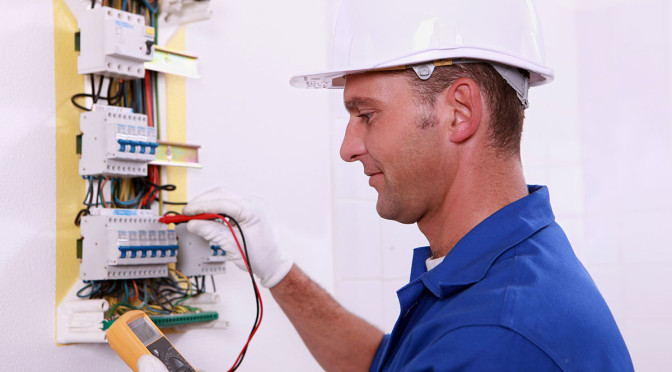 Elektryk, usługi, instalacje elektryczne Płock
